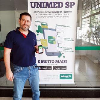 Presidente da Unimed Birigui apresenta app Unimed SP-Cliente